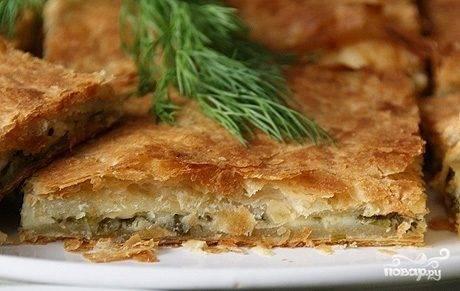 Слоеный пирог с сыром сулугуни
