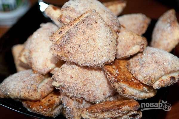 13. Выпекайте творожное печенье около 20-25 минут до румяности.
