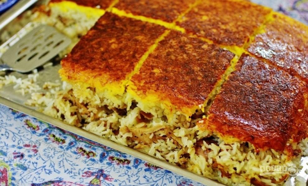 12.Если по истечению срока не появилась золотисто-коричневая корочка, то поставьте пирог в духовку еще на 7-10 минут. Приятного аппетита!