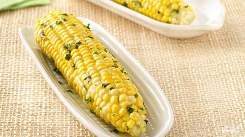 Кукуруза, запеченная в рукаве