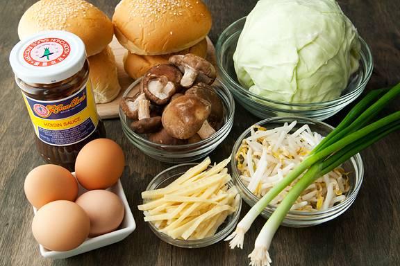 Порежьте овощи, подготовьте ингредиенты