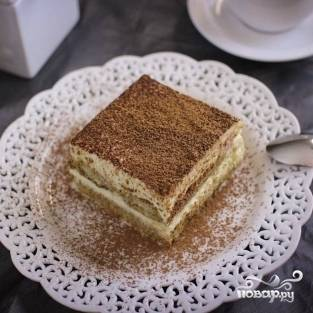 15. Отправляйте десерт минимум на 6 часов в холодильник. По истечению 6-и часов подавайте порционно. Приятного аппетита!