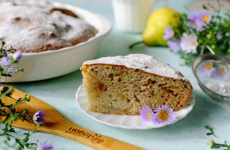 Перед подачей пирог по желанию можно посыпать сахарной пудрой. Приятного аппетита!