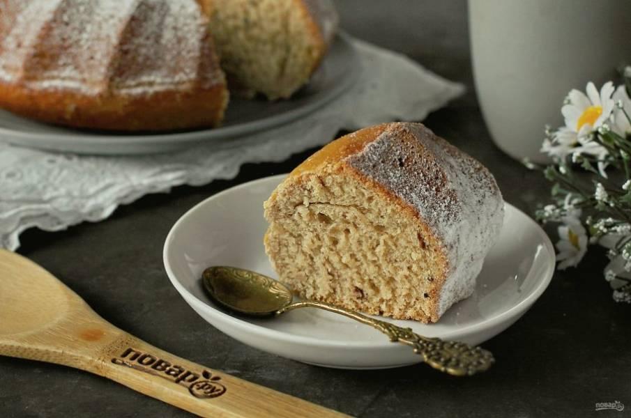 Перед подачей по желанию можно посыпать кекс сахарной пудрой. Приятного аппетита!