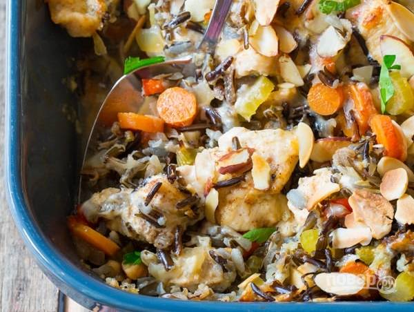 4. Вот так, с минимум хлопот у вас получится аппетитное и сытное, полноценное блюдо. Запеканку с диком рисом в домашних условиях рекомендую попробовать обязательно.