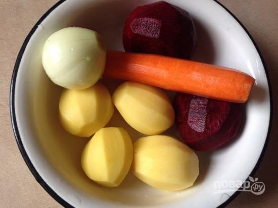 Очистим и помоем все овощи.