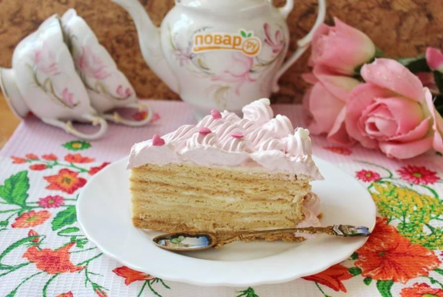 Дайте торту пропитаться 6-10 часов и подавайте к столу.