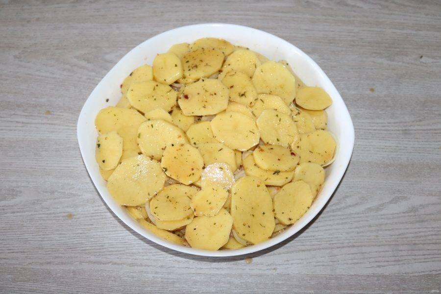 Далее опять слой картофеля.