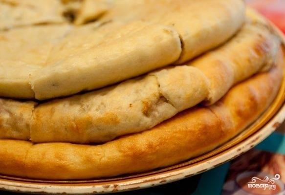 Фыдджын (осентинские пироги с мясом)