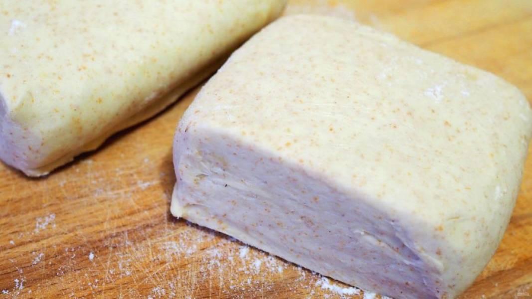 Хорошо охладите готовое тесто и используйте для дальнейшего приготовления изделий из него.