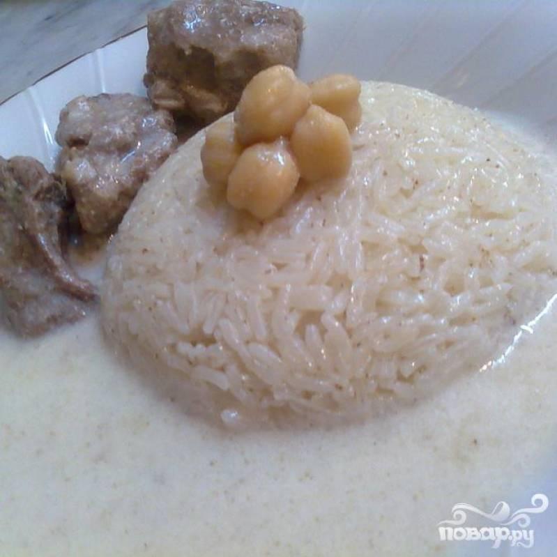 Готово. Подавайте с отваренным в бульоне рисом. Приятного аппетита.