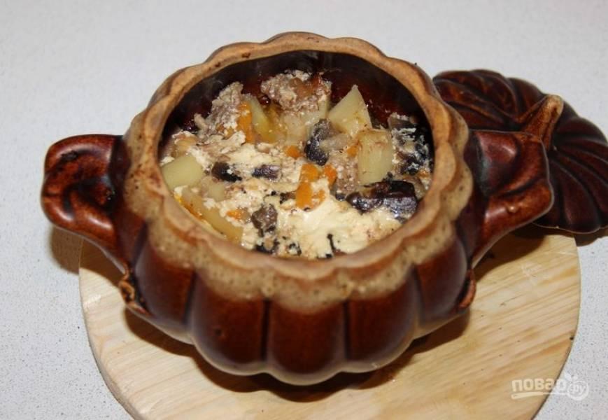 Картошка, тушенная с шампиньонами в сметане