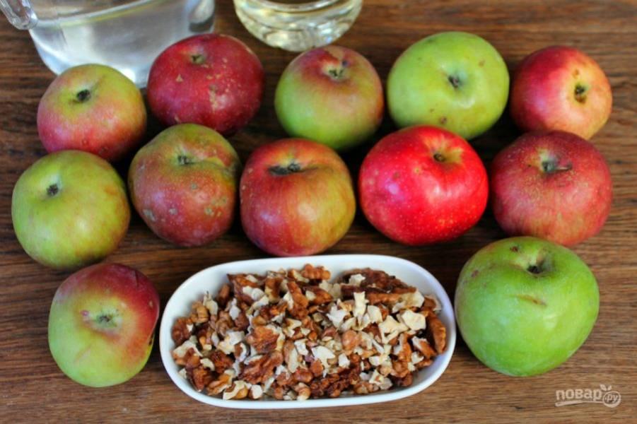 Подготовим ингредиенты. Яблоки для пастилы выбираем сладкие и спелые.