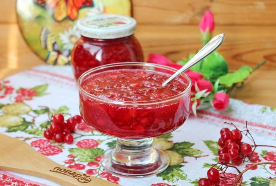 Чистую банку заполните калиной с сахаром, накройте крышкой и поставьте в холодильник. Пейте чай с калиной и будете здоровы!