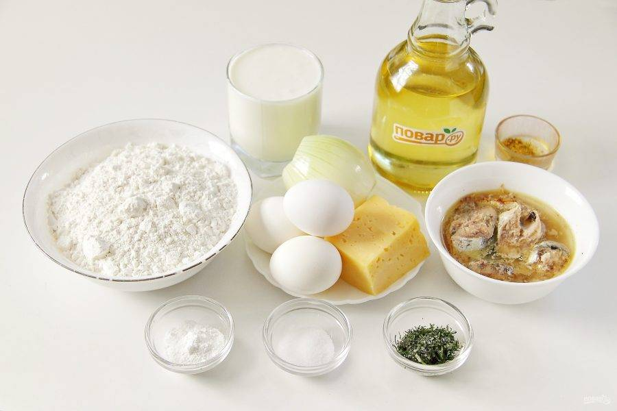 Подготовьте все ингредиенты. Яйца для начинки заранее сварите до готовности.