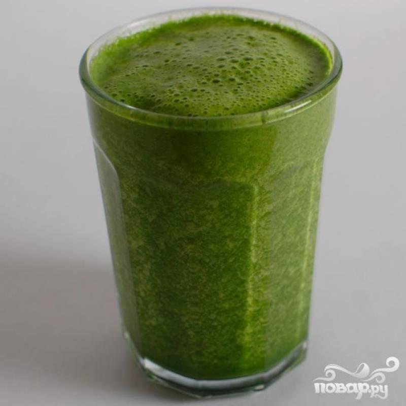 4.Разлить готовый витаминный напиток и выпить в ближайшие 10-15 минут, чтобы получить максимальную пользу для организма.