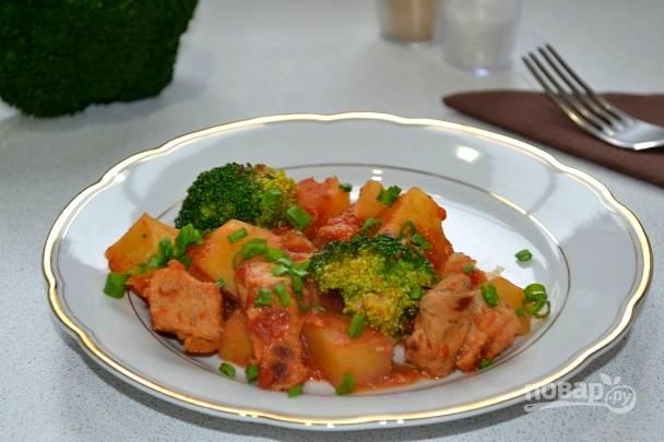 Картофель с мясом и брокколи