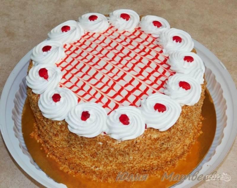 Готовый торт украсьте по своему вкусу. Приятного чаепития!