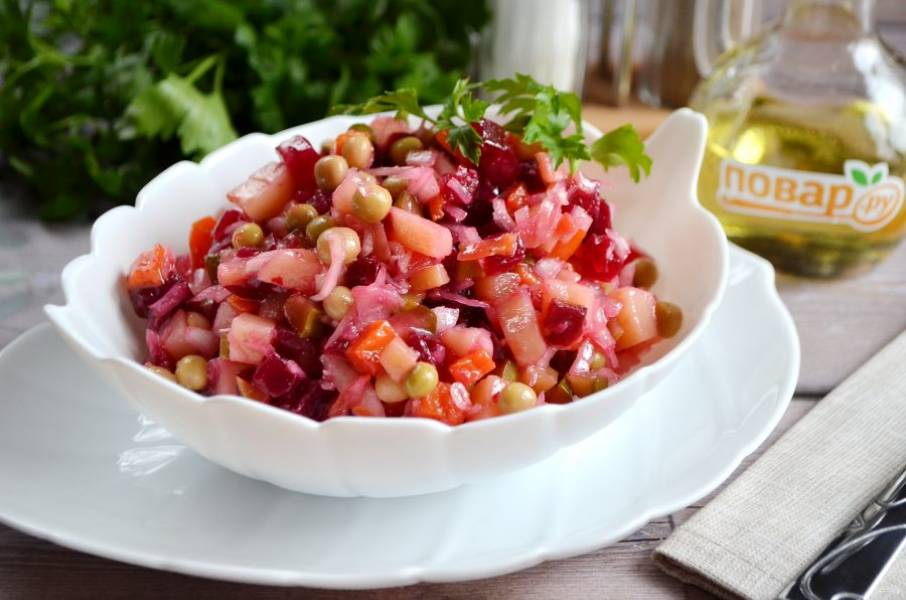 8. Дайте салату настояться пару часов, пробуйте!