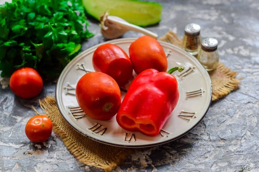 Подготовьте овощи по списку. Выход готового продукта - банка объемом 600 мл.