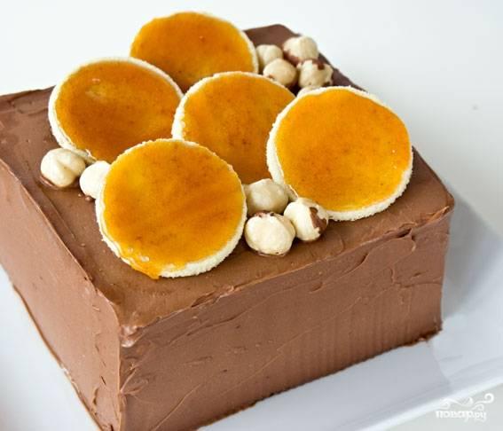 25. Вот такой аппетитный бисквитный торт с шоколадом в домашних условиях получился в результате. Приятного аппетита!