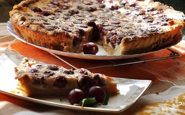 Тарт с вишней и белым шоколадом