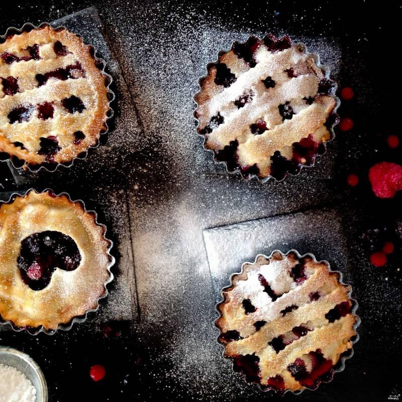 Корзиночки из творожного теста с ягодами