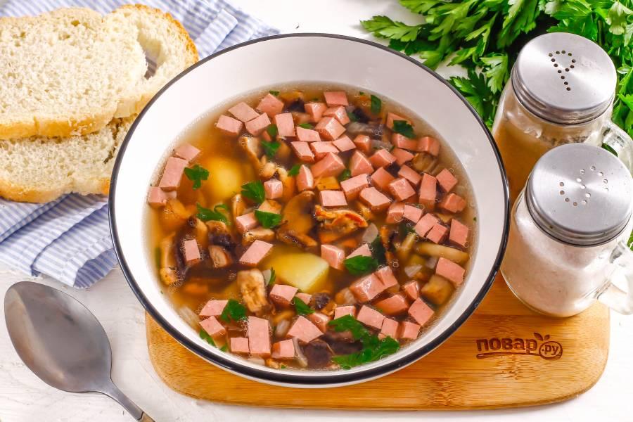 Суп с грибами и колбасой