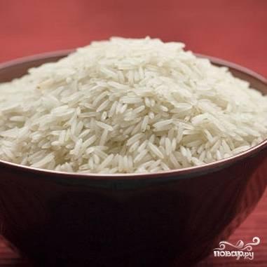 Рис насыпать в миску, хорошо промыть.