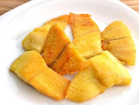 7. Пангасиус в кляре подавайте с рисом или свежим салатом. Приятного аппетита!