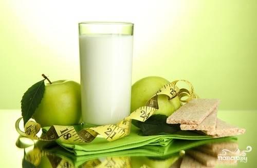 Кефир и зеленые яблоки