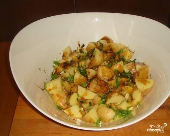 Картошка с зеленью и чесноком
