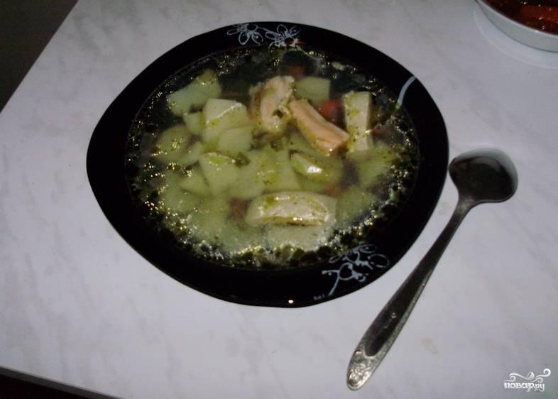 Варим до готовности картофеля. Добавляем свежую зелень и приправы по вкусу. Приятного аппетита!