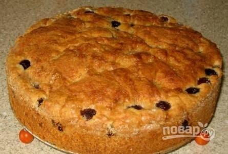 Пирог с вишней готов! Приятного аппетита :)