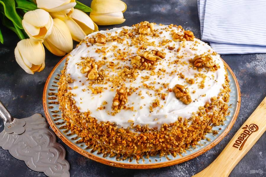 Песочный торт с орехами
