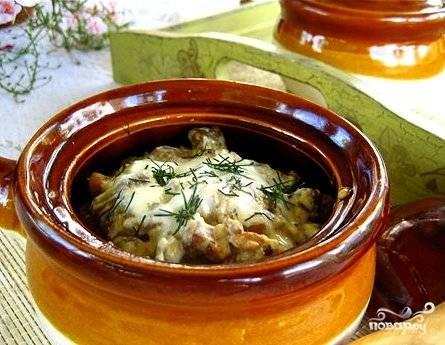 """Готовое блюдо слегка остудить и подавать на стол горячим - сырная корочка должна остаться мягкой и тягучей. Лучшее """"сопровождение"""" - свежие овощи и зелень.  Приятного аппетита!"""