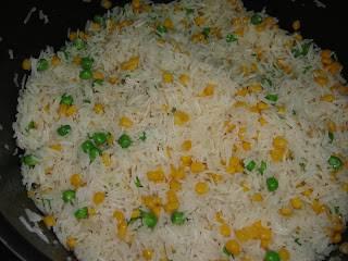 Добавьте готовый рис.