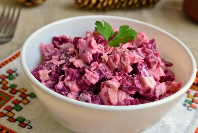 Свекольный салат с курицей