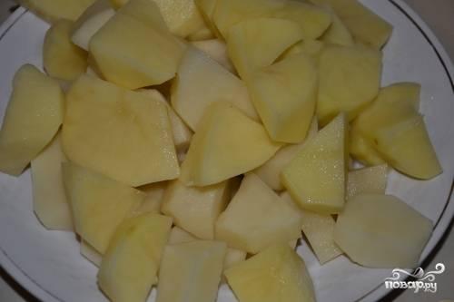 Картошку порезать и добавить в суп.