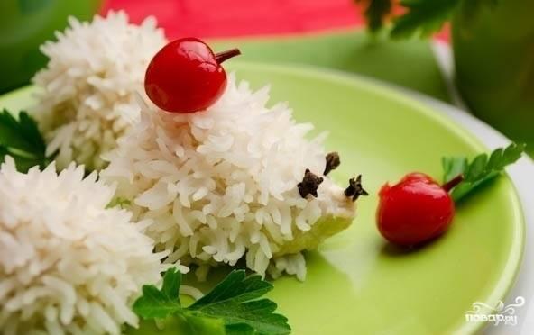7) Куриные тефтели на пару готовы! Подаем к столу с зеленью и овощами. Приятного аппетита!