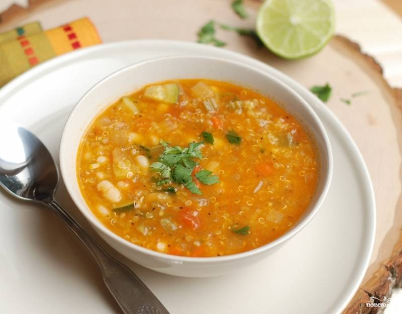 Подавать готовый суп можно тоже с лаймом или лимоном. Приятного аппетита!