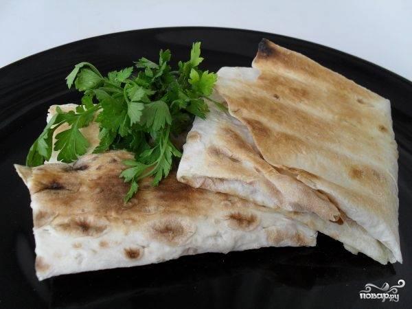 Конвертики из лаваша с сыром