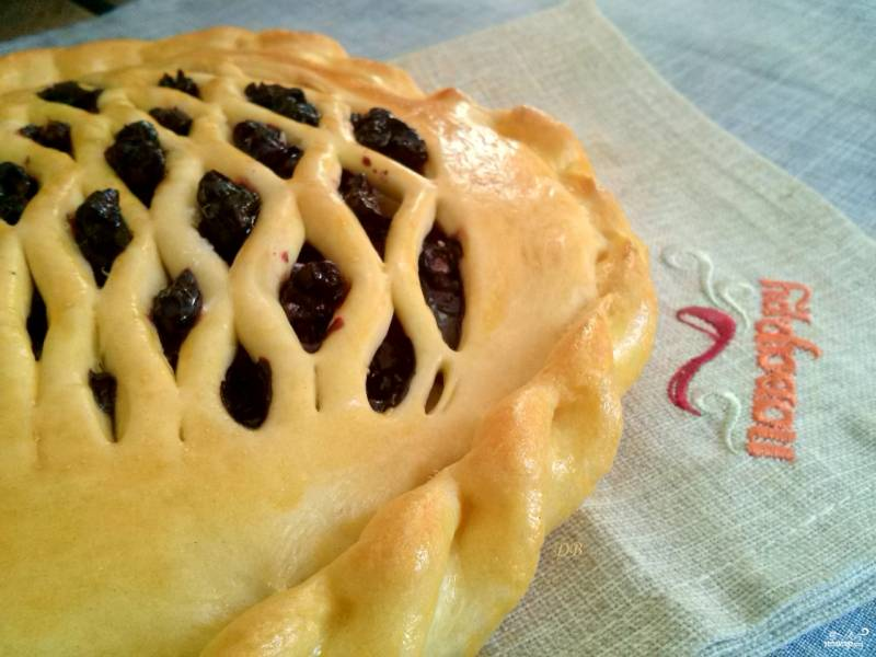 Пироги с черникой из дрожжевого теста