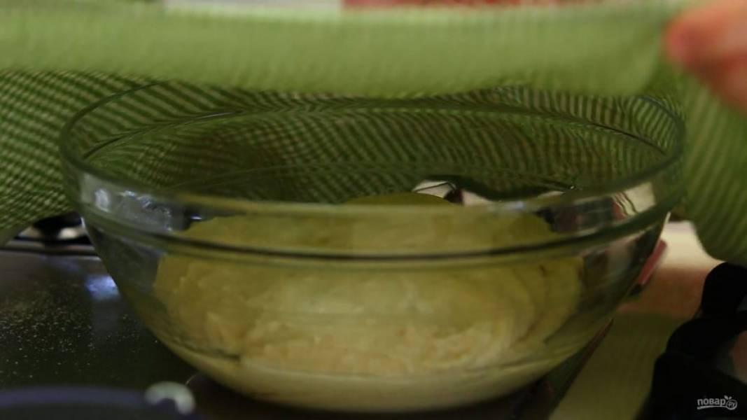 5. Оставьте тесто при комнатной температуре на 1 час под полотенцем.