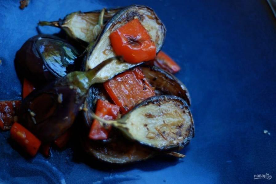 5.Переложите овощи в тарелку и подавайте к столу сразу или после остывания. Приятного аппетита!
