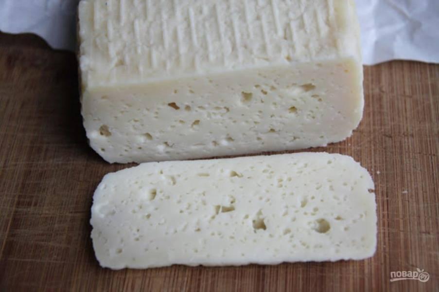 Сыр хранится в прохладном месте в течение 2 недель. Нужно ежедневно переворачивать его.