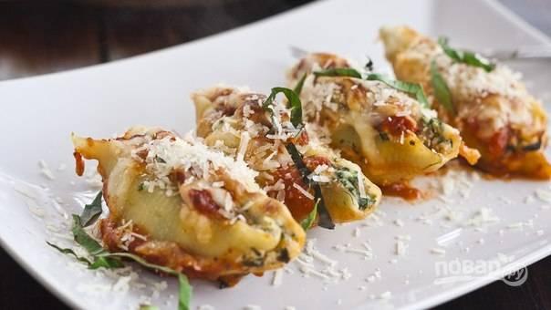 """Фаршированные макароны """"Ракушки"""" с сыром и шпинатом"""