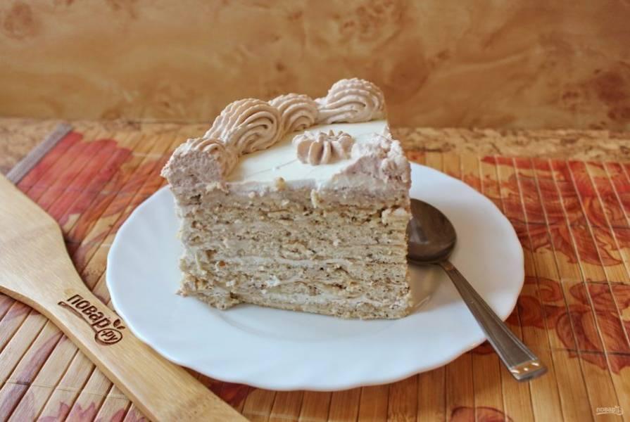 Когда торт пропитается, его можно подавать к чаю.