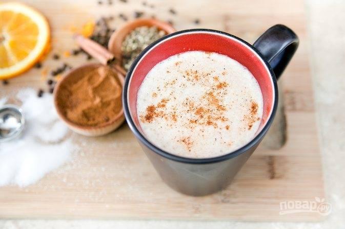 6.Украсьте напиток специями и сразу подавайте его. Приятного!