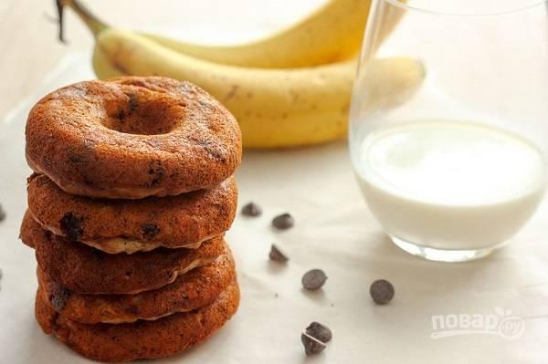 Запеченные пончики с бананом и шоколадом